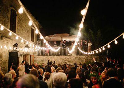 Baile en una boda de catering. Foto: Volvoreta
