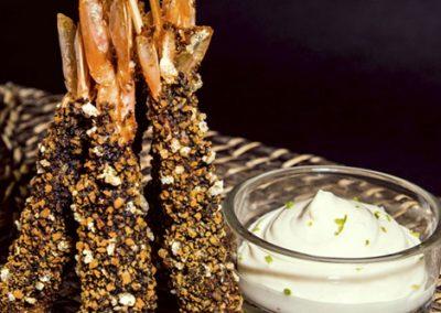 Langostinos crocantes con mayonesa de lima